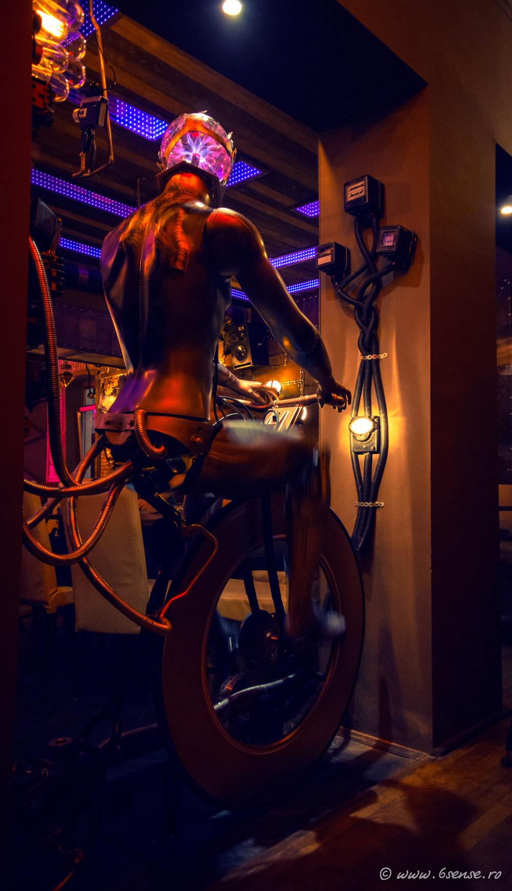 Enigma-cafe-cluj-design-interior (27)